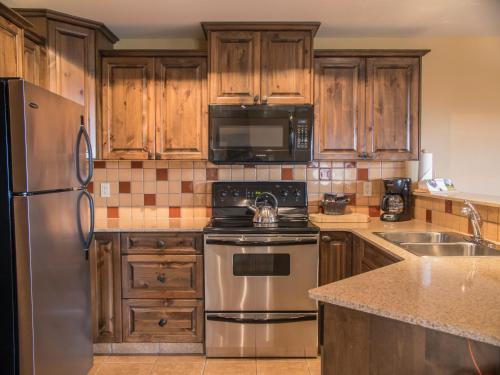 A kitchen or kitchenette at Northstar Mountain Village