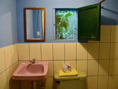 Un baño de Hospedaje Central