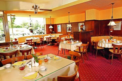 A restaurant or other place to eat at Hotel Pacific