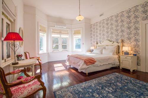 A bed or beds in a room at Russley Rural Retreat
