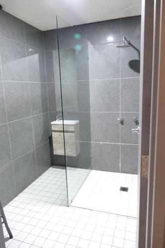 A bathroom at The Crown & Anchor Hotel