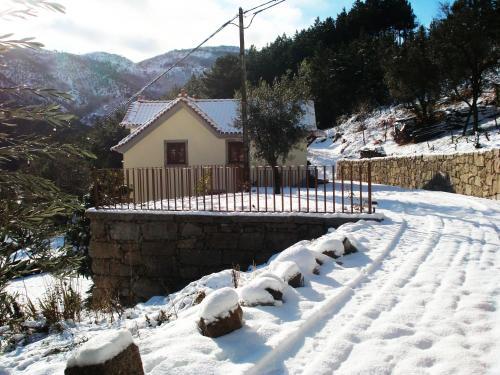 Casa de São Sebastião durante o inverno