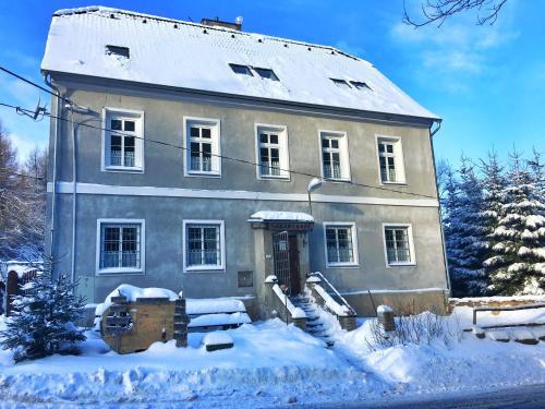 Hájovna Svahová v zimě