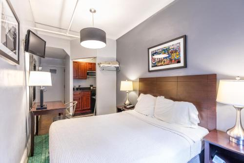 Кровать или кровати в номере Hotel 309
