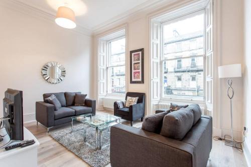 ALTIDO Chester Street 5 Star Residence - Tummel suite