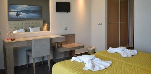 Ένα μπάνιο στο Paspalis Hotel