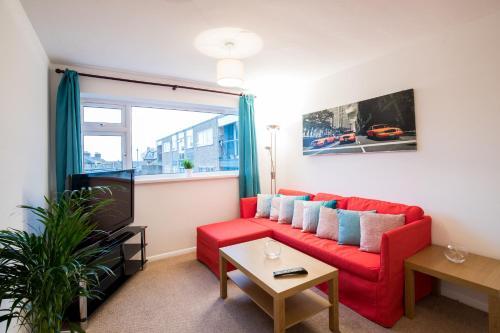 2 Bedroom Apartment Apton Court