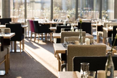 Restauracja lub miejsce do jedzenia w obiekcie Shuum Boutique Wellness Hotel
