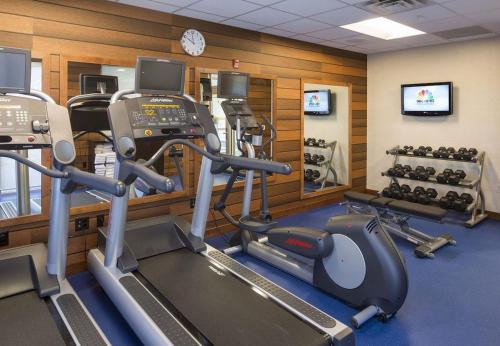 The fitness center and/or fitness facilities at Fairfield Inn & Suites by Marriott Hershey Chocolate Avenue