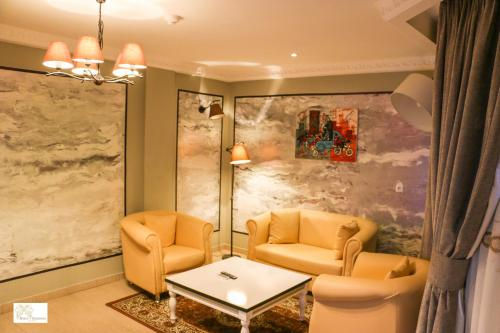 A seating area at Noubou International Hotel