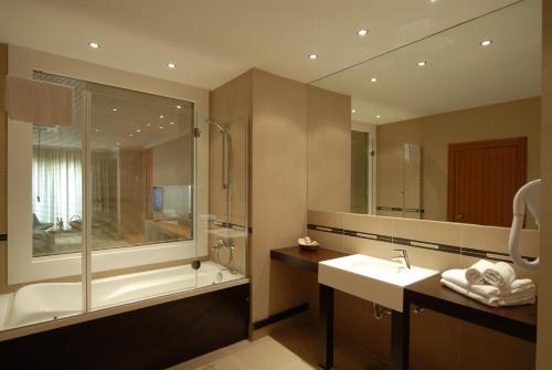 Ванная комната в Klas Hotel