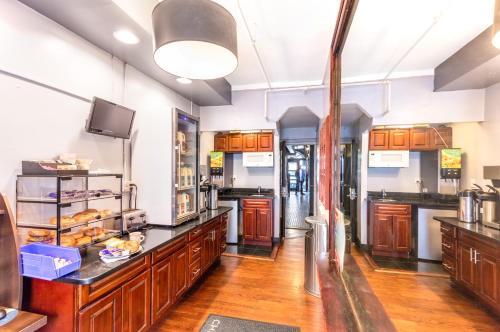Кухня или мини-кухня в Hotel 309