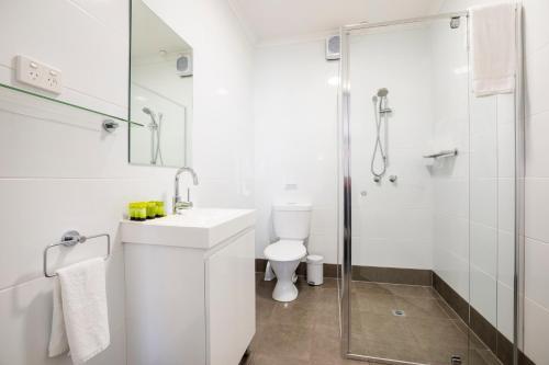 A bathroom at Nightcap at Finsbury Hotel