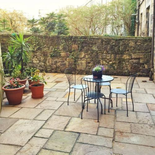 ALTIDO 2 Bed Apartment in City Centre