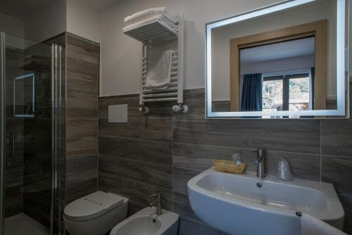 A bathroom at Hotel Terme Capasso