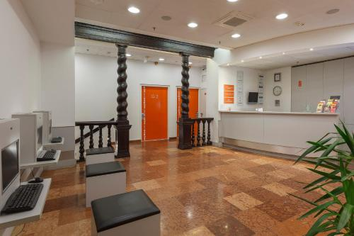 The lobby or reception area at easyHotel Budapest Oktogon