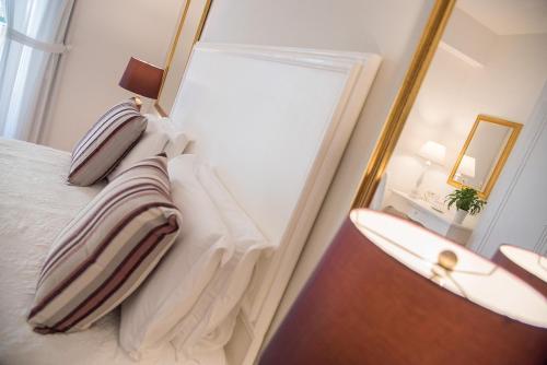 A bathroom at Villa Romana Hotel & Spa