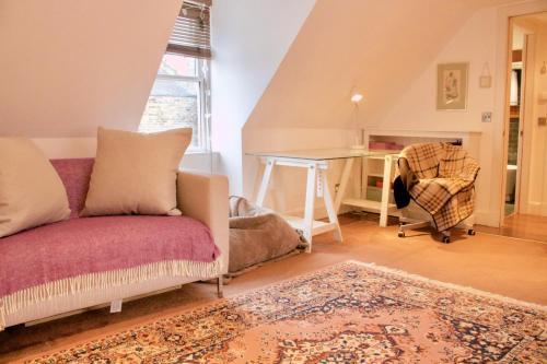 1 Bedroom Studio in Edinburgh Sleeps 2