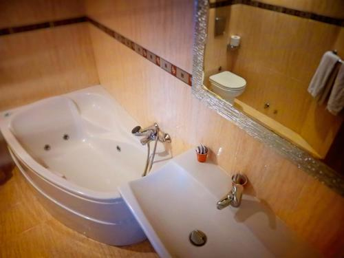Un baño de Hotel Santa Catalina by Bossh Hotels