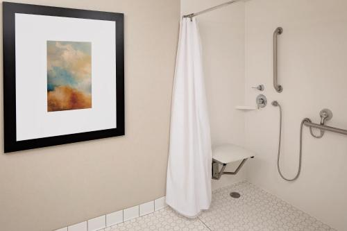 A bathroom at Homewood Suites Minneapolis - Mall of America