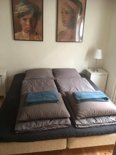A bed or beds in a room at Engelsted Guesthouse