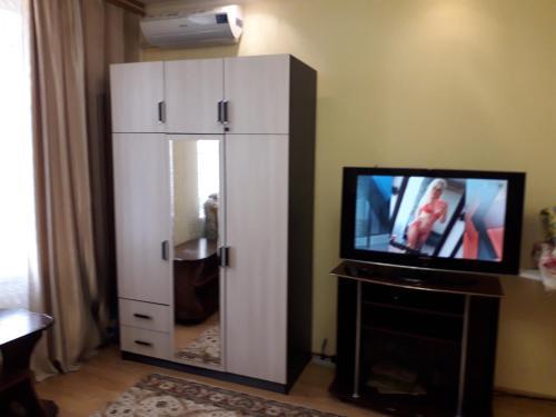 Телевизор и/или развлекательный центр в 1-комнатная квартира