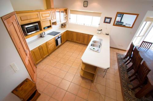 A kitchen or kitchenette at Limestone Ridge