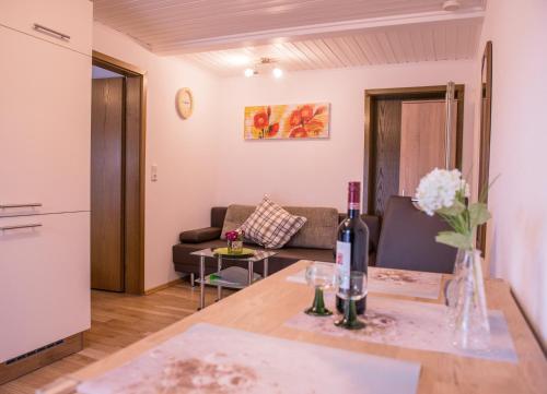 Ein Sitzbereich in der Unterkunft FeWo Goebel Beethovenstraße