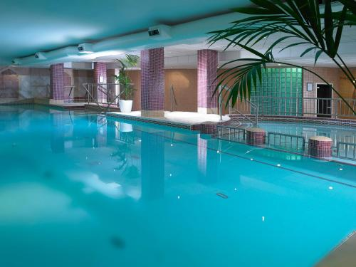 The swimming pool at or near Camden Court Hotel