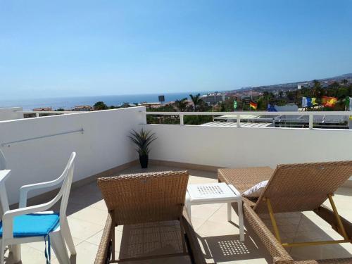 A balcony or terrace at Hotel Malibu Park