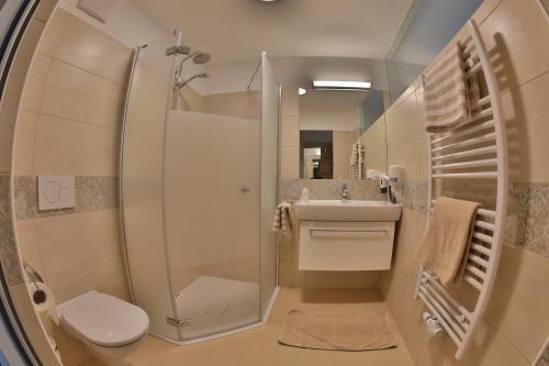 Ein Badezimmer in der Unterkunft Gasthof Alpenblick