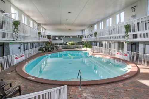 The swimming pool at or near Club Destin