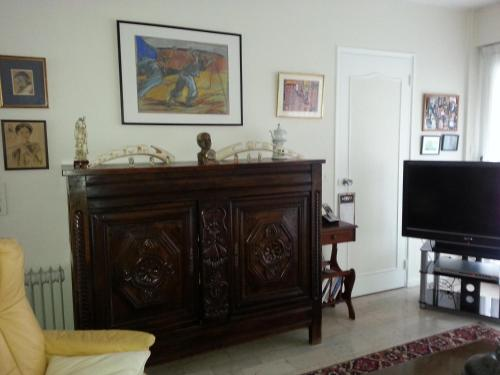 A television and/or entertainment center at Résidence Villa Hoche
