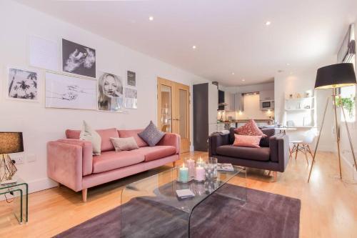 Oxfordshire Living - Oxford Castle - Luxury Apartment