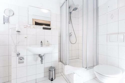 A bathroom at Hotel Haus im Sack