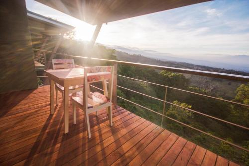 A balcony or terrace at Chayote Lodge