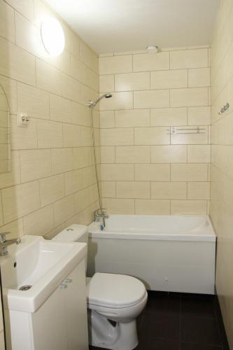 """Ванная комната в """"Солнечная орхидея"""""""