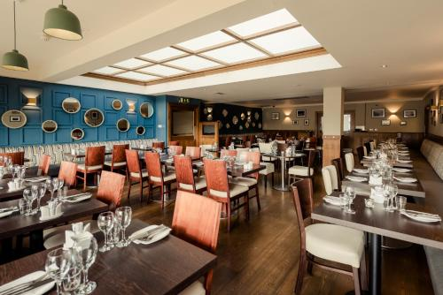 A restaurant or other place to eat at Rochestown Lodge Hotel & Spa