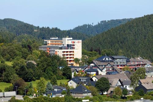 Blick auf Hotel Hochsauerland 2010 aus der Vogelperspektive