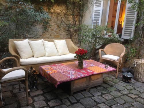 Posezení v ubytování B&B terrasse et jardin