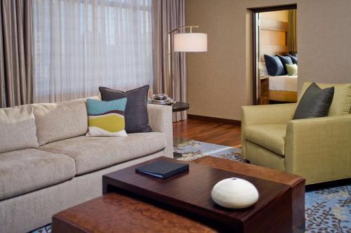 A seating area at Grand Hyatt Denver