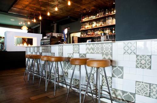 The lounge or bar area at La Splendida Hotel