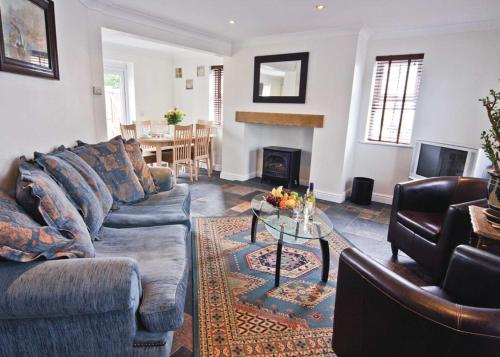 A seating area at Ty Ffynnon