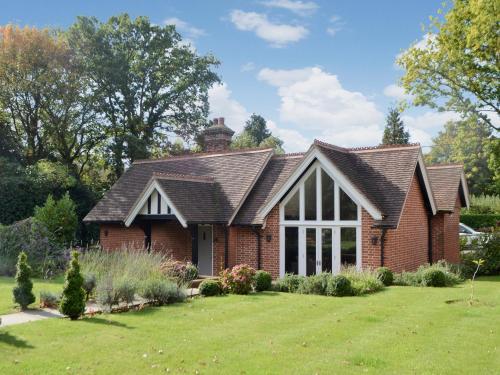 Grovelands Lodge