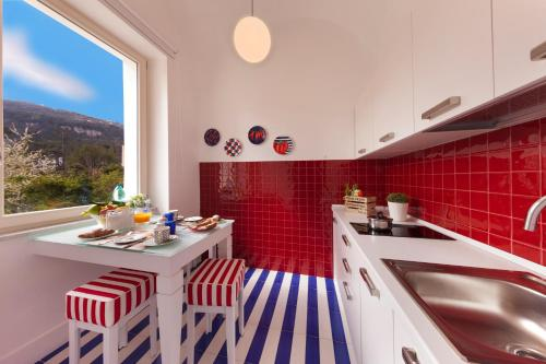 Cucina o angolo cottura di Kira Guest House