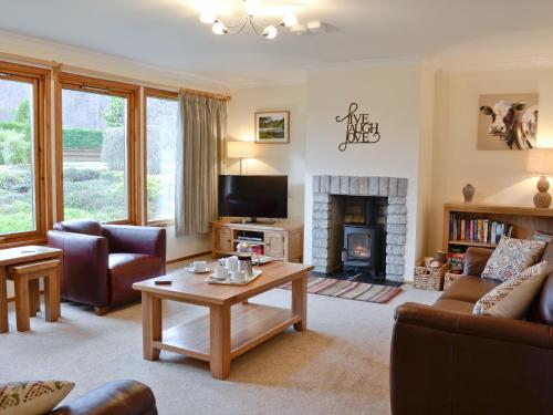 A seating area at Bearberry Cottage