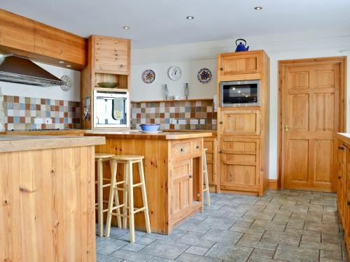 A kitchen or kitchenette at Cobb