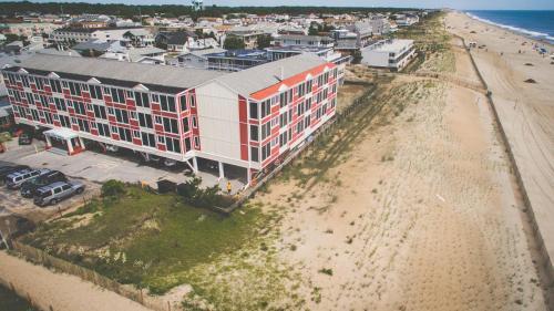 A bird's-eye view of Surf Club Oceanfront Hotel