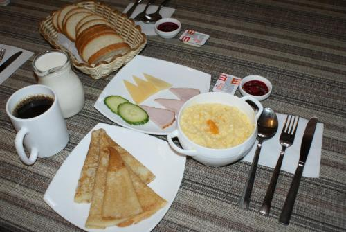 Breakfast options available to guests at Malina Guest House