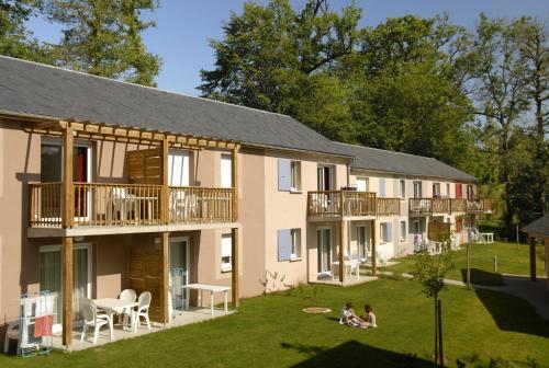 Residence Odalys Le Hameau du Lac Rignac - Aveyron, France